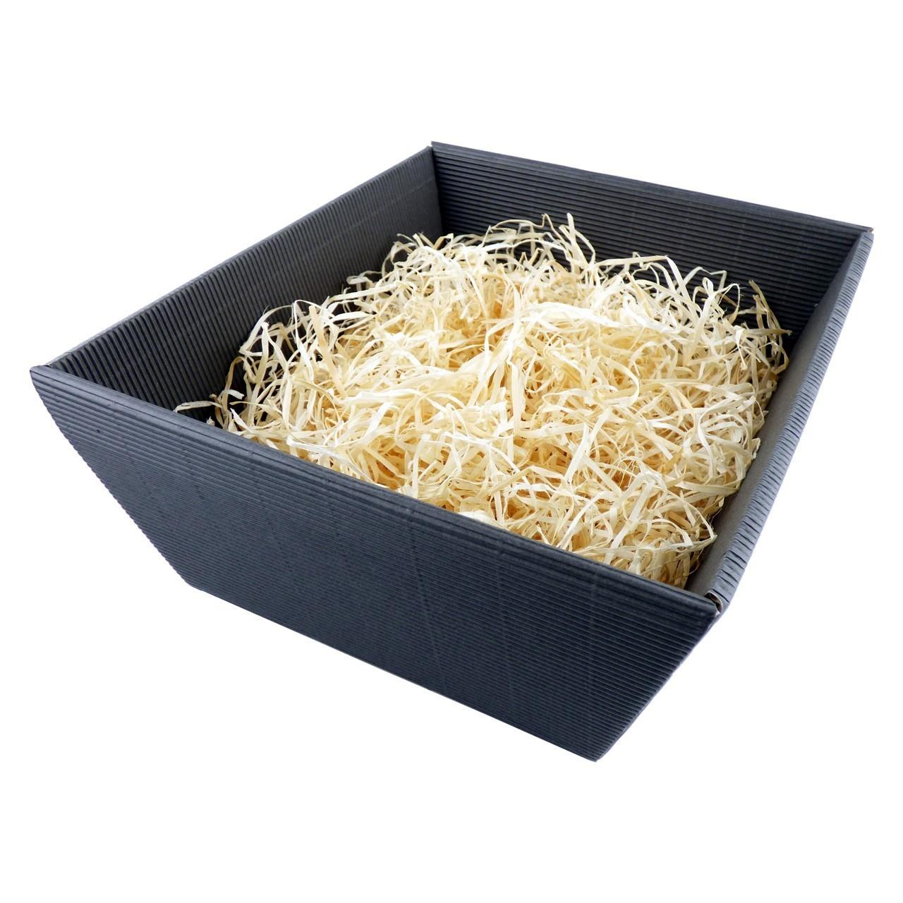Geschenkkorb mit staubfreier und naturbelassenen Holzwolle